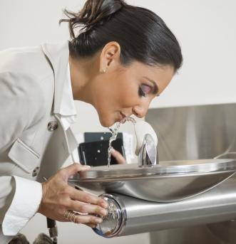 ELKAY – vandens gėrimo fontanėliai patalpoms
